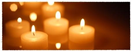 祈りのともしび枠有.jpg